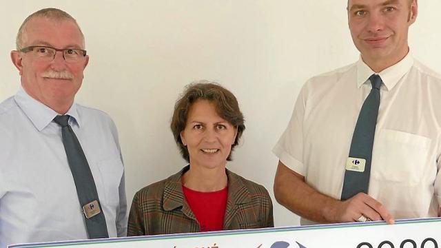 Carrefour remet 3000€ à Euphonie